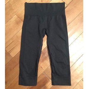 Lululemon Ebb to Street Crop Leggings Size 4